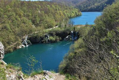 Kozjak ir Milanovac ezerai (paskutinis Upper ir pirmas Lower ežerai)
